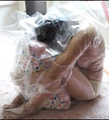 枕を抱えて真空パックにされて呼吸制御