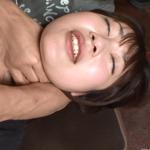 モデル級の娘が首絞めされて興奮のあまり愛液放出!