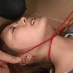 朝倉みきちゃんが首絞めと首を吊り上げて失神寸前まで追い込まれる
